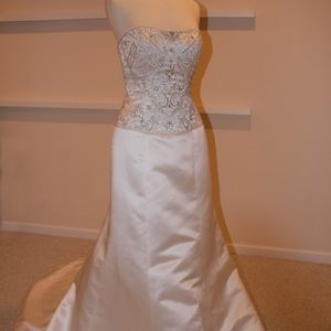 Casablanca Wedding Gown Style A015 Ivory